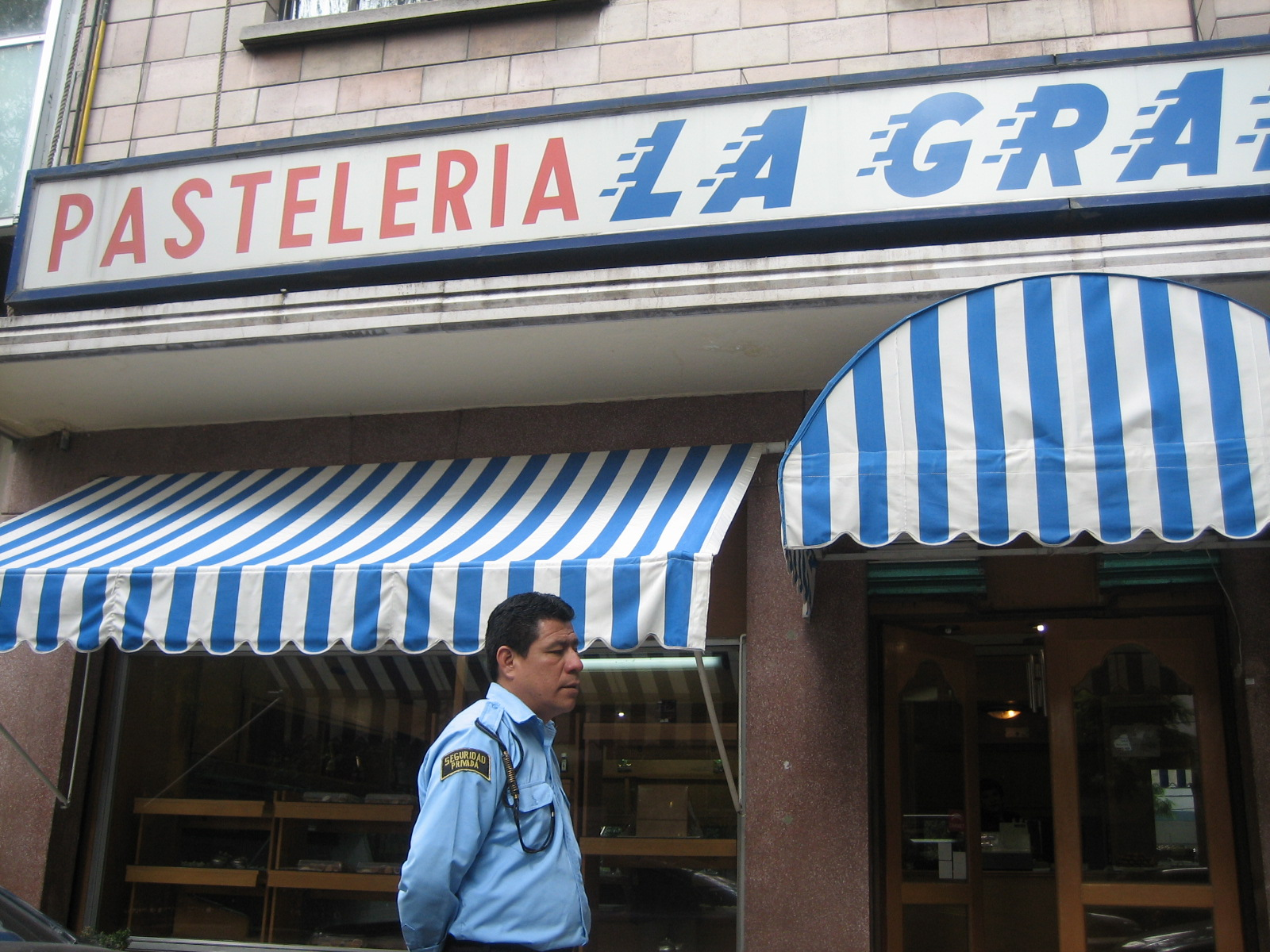 Pasteleria La Gran Via in Col. Condesa, Mexico City